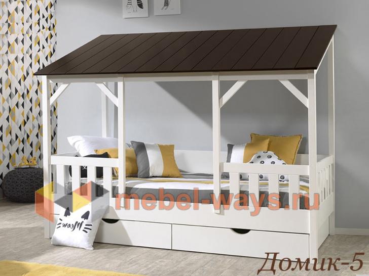 Недорогая детская кровать-домик из массива с бортиками «Домик-5»