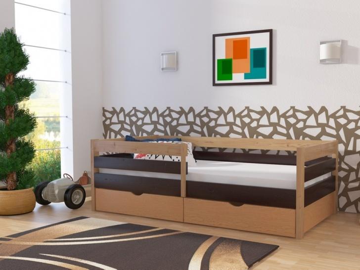 Подростковая кровать с бортиками и ящиками «Руфина-31» в контрастных оттенках массива сосны
